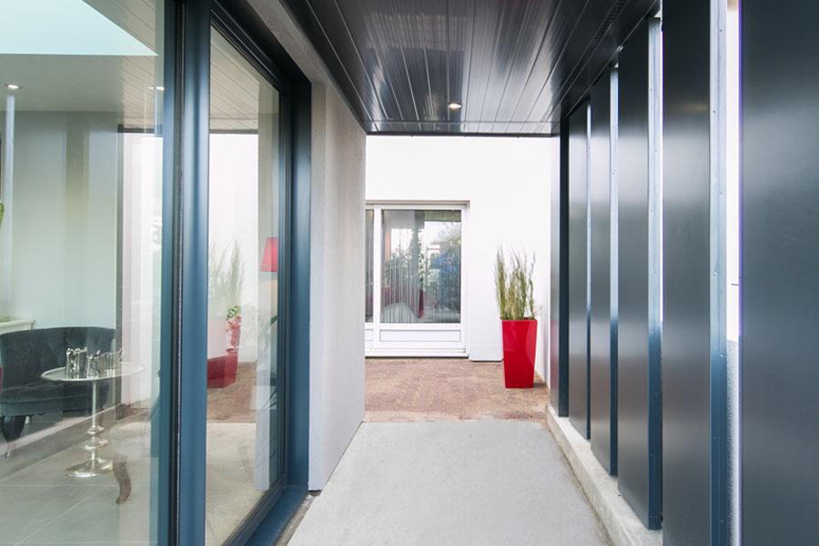 Extension, zinc, façade, maison, rénovation, puit de lumière, verticale, lumineux, lumière, architecture d'intérieur