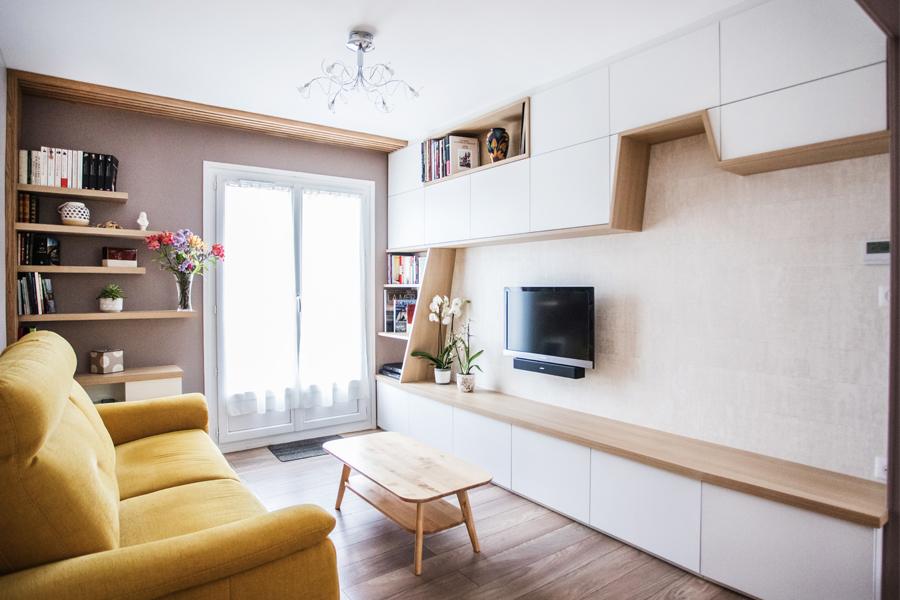agencement sur mesure meuble tv, bois, canapé jaune